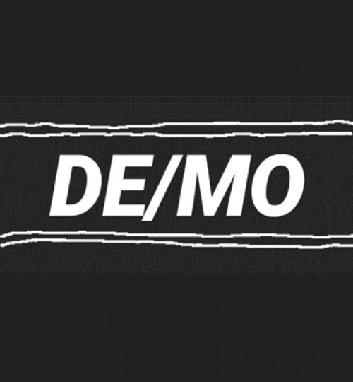 de_mo